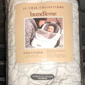 JJ COLE COLLECTION Urban BundleMe Car Seat Cover